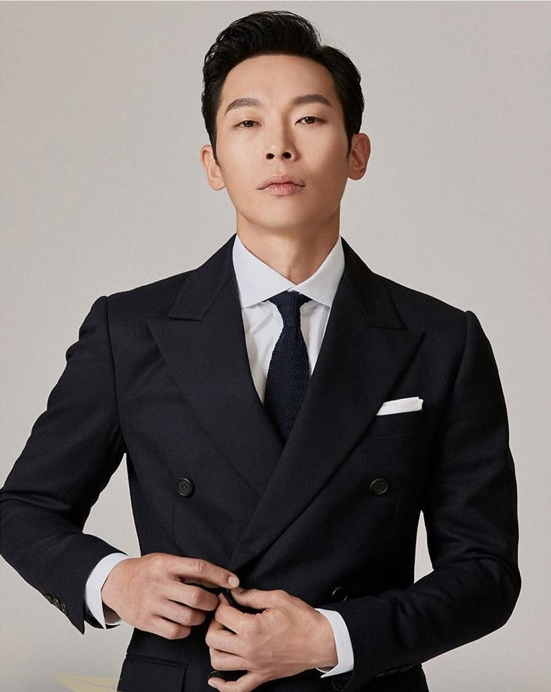 Yang Kyung Won to Continue His Friendship with Song Joong Ki on Small Screen Through Drama 'Vincenzo' - ZAPZEE
